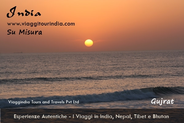 Gujarat Vibrante - 24 Giorni Vacanze Gujarat - Viaggi Gujarat. Viaggio a MUMBAI, AHMEDABAD, CHOTTA UDAIPUR, BHAVNAGAR, PALITANA, DIU, PORBANDAR, SASAN GIR, JUNAGARH, GONDAL, BHUJ, BANNI, MANDVI, DASADA, AHMEDABAD, MUMBAI