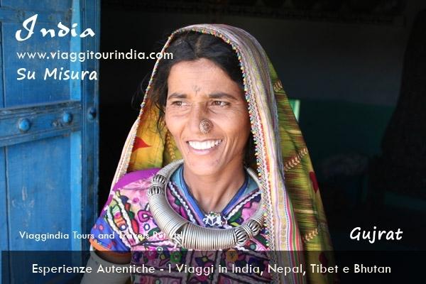 Viaggio Tribale in Gujarat - 12 Giorni Viaggio a MUMBAI, AHMEDABAD, CHOTTA UDAIPUR, POSINA, DASADA, BHUJ, BANNI, BHUJ, MANDVI, MUMBAI. Vacanze Gujarat - Viaggi Gujarat
