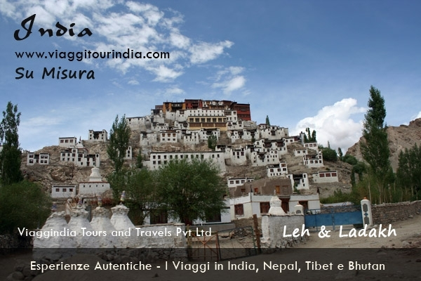 Il Viaggio in Leh & Ladakh - 13 Giorni Tour tra i Gompa Tibetani DELHI - SAMODE - JAIPUR - AGRA - LEH - SPITOK - STOK - SHEY - THIKSEY - HEMIS - VALLE DI NUBRA